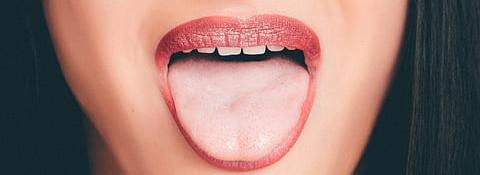 ways to fight bad breath tongue
