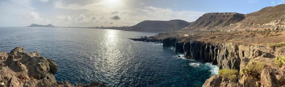 Panorámica Acantalidados El bajo de Agustín diablo hecha con el móvil. Puede verse al fondo Las Palmas de Gran Canaria y La Isleta