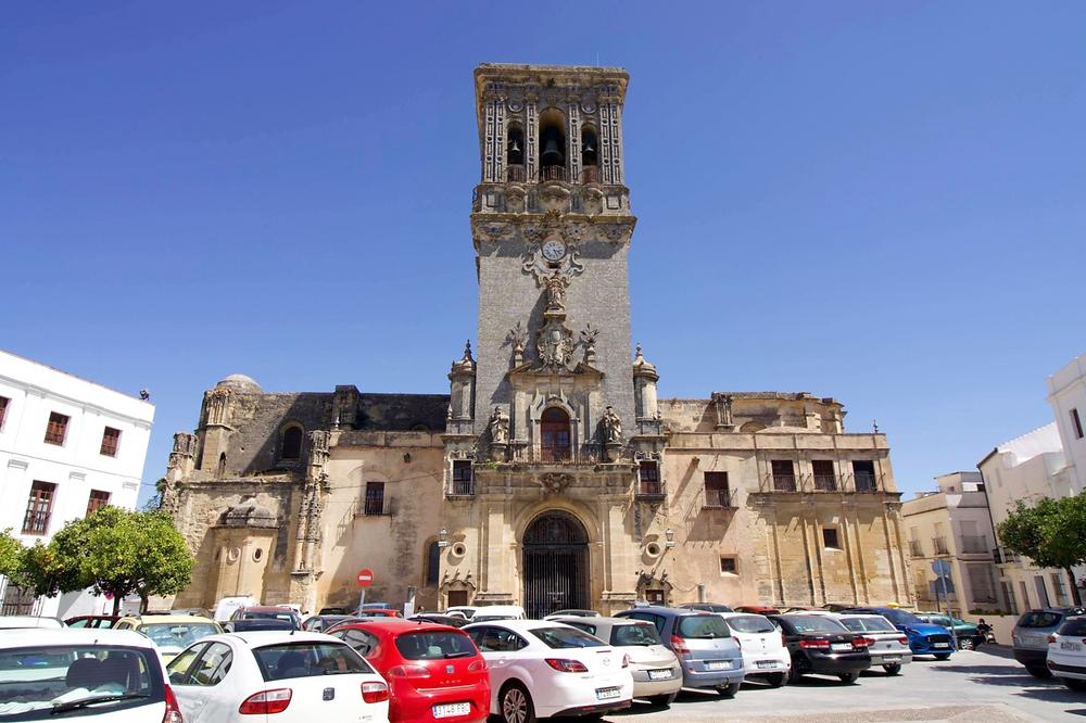 Basilica de Santa María de la Asunción view from plaza in Arcos de la Frontera, Spain