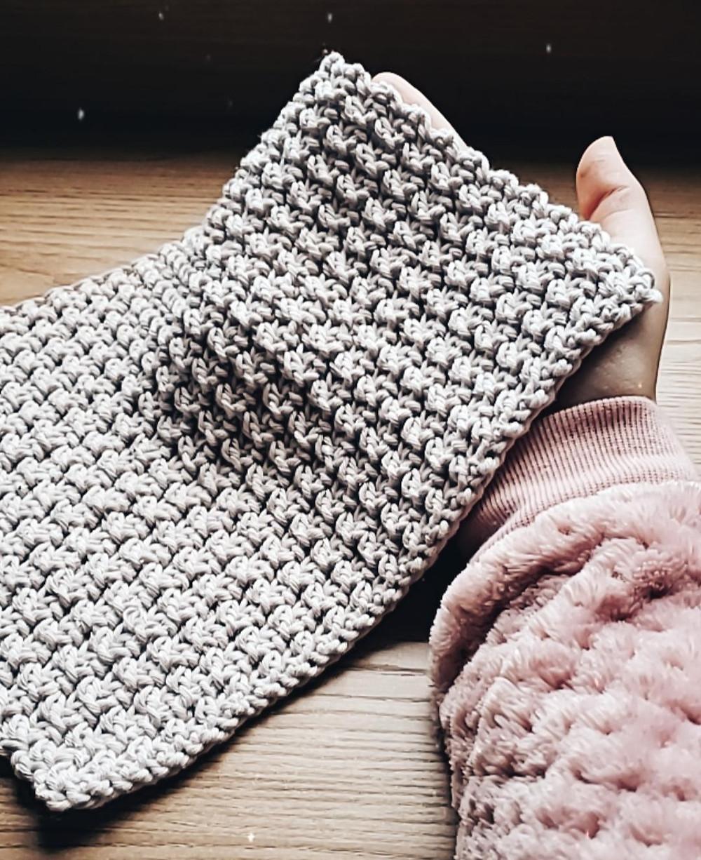 toalha de chá (tea towel) de crochê por Ateliê Ítaca