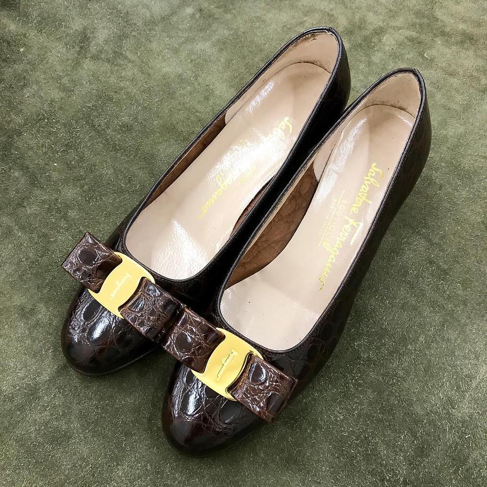 フェラガモ 靴磨き パンプス クリーニング 宅配