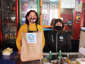 Almaceneros destacan donación municipal de botellas  de alcohol gel para clientes