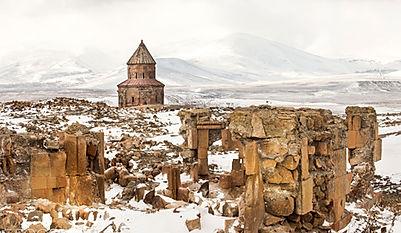 Kars Ani Harabeleri Gezibahcesi