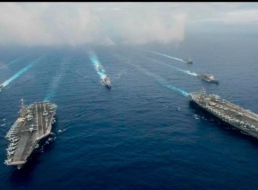 Buques estadounidenses navegan por el Mar de China Meridional