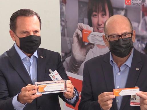 Brasil recibe primer lote de la vacuna china contra el covid-19