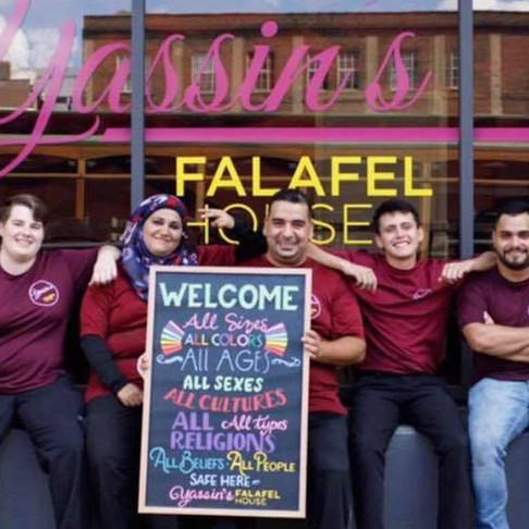 Refugee-Run Restaurant Voted 'Nicest Place in America' Is Feeding Furloughed Workers for Free