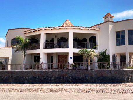 15 A Villa Hermosa House