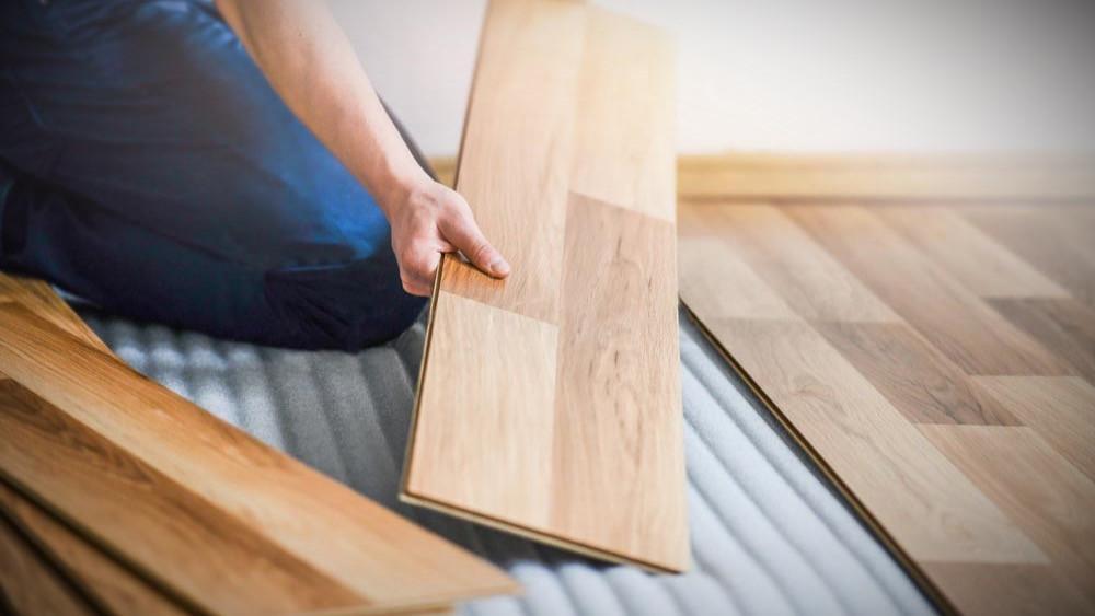 Instalación de suelo de madera laminada