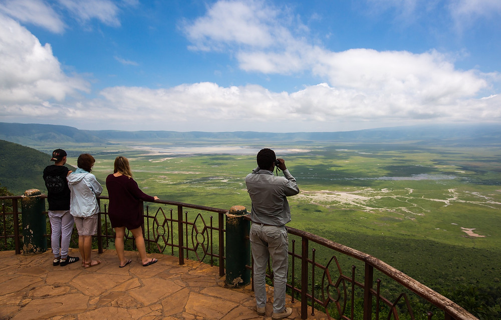 group tour africa, group holiday africa, small group trip, migration tour, ngorongoro crate small group tour, african adventure tour, tanzania group holiay