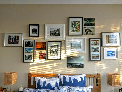 5 Enticing Photo Frame Ideas for Wall Decoration