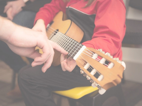 Top 5 Things To Bring To Your Guitar Lesson.