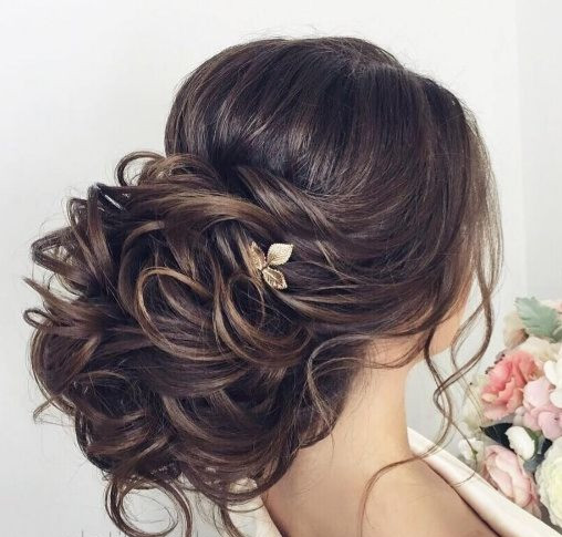 perfect for asian brides hairstyle with romantic curls