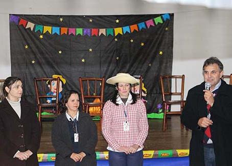 Festa junina do CRAS integra famílias