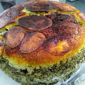 פּוֹלוֹ שֶבִיד בָּרַלַה- אורז פרסי עם פול ירוק ושמיר