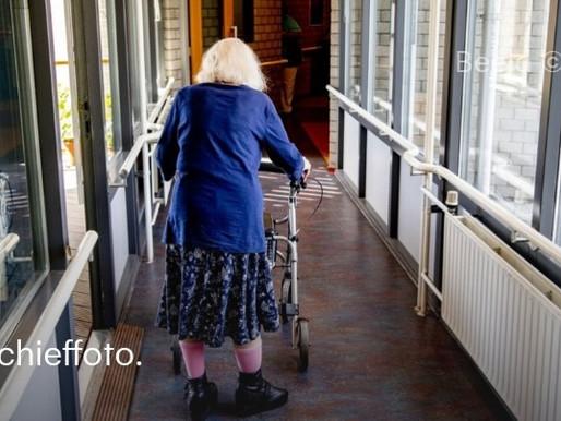 Aantal coronadoden boven de 6000, bijna de helft overleed in verpleeghuis | RTL Nieuws