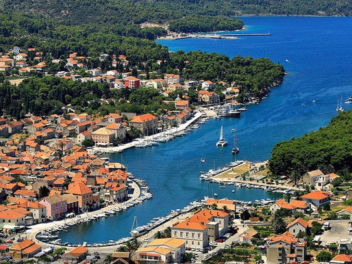 How to travel from Split to the island of Hvar?