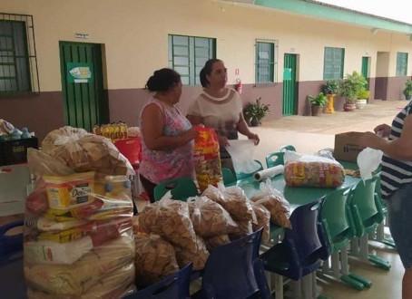 Prefeitura realiza terceira remessa de entrega de alimentos para os alunos da rede municipal