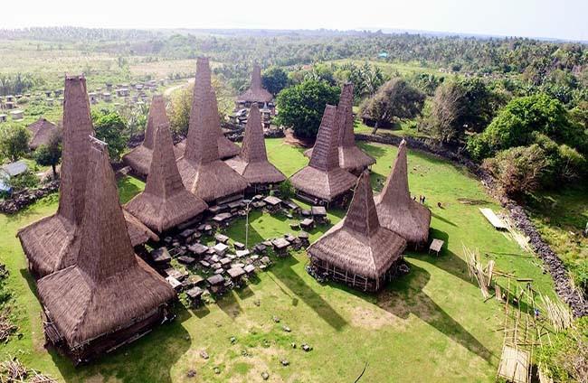 Kampung Adat Ratenggaro - Sumba Barat Daya