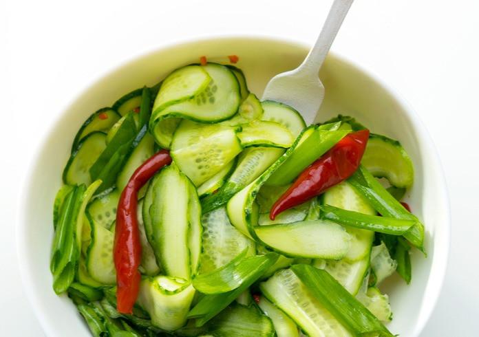 Aštrūs saldžiarūgščiai agurkai, vmg receptas
