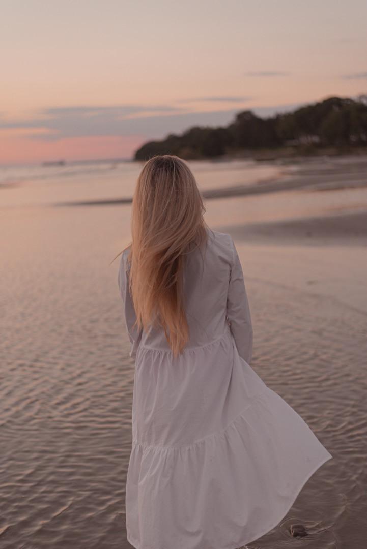 Sunset beach portrait photo session in estonia