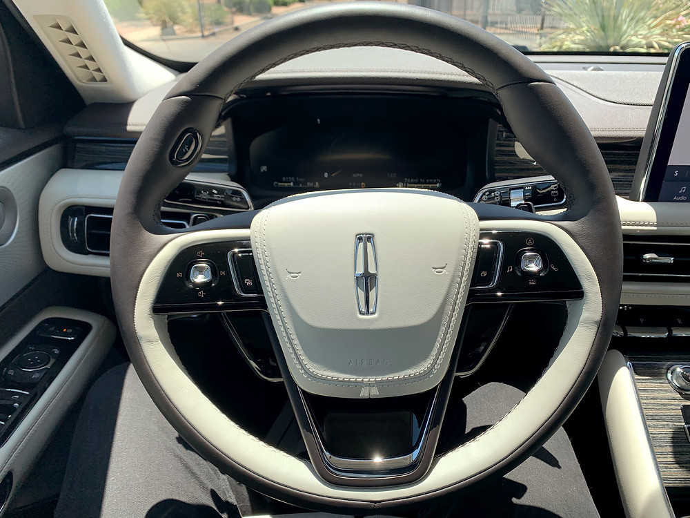 Lincoln luxury steering wheel