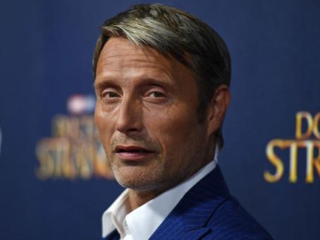 Fantastic Beasts 3: Mads Mikkelsen in Talks to Replace Johnny Depp