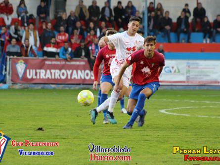 Al Villarrobledo sólo le llega para sacar un punto ante el Murcia