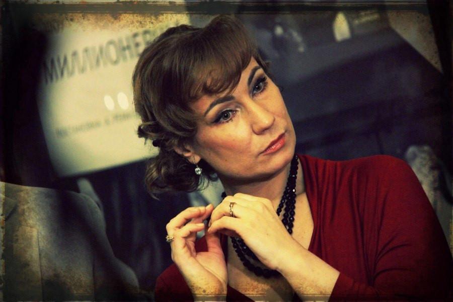 Ольга Тумайкина в спектакле «Игры одиноких»