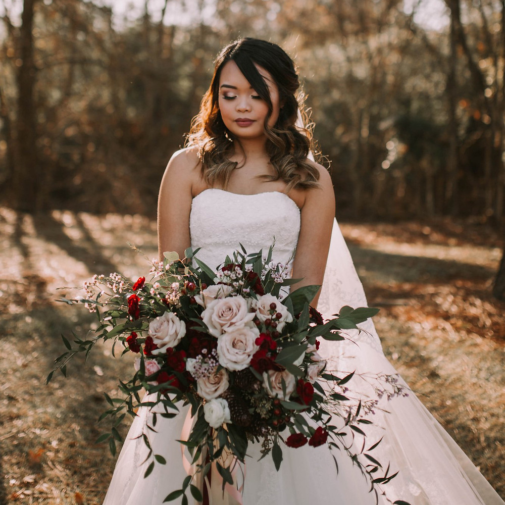 Blush and Burgundy boho bohemian style bridal bouquet by Baton Rouge Louisiana wedding florist Michelle Pierce for The Sentimental Petal. Featured in our blog post on DIY wedding flowers.