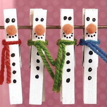 Fun Christmas crafts for all ages and abilities: Clothespin Snowman