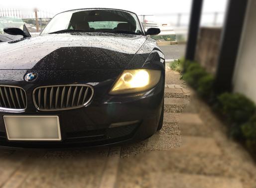 BMW Z4 ヘッドライトの黄ばみを治療