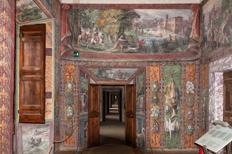 Room of the Hunt, with frescos by Antonio Tempesta