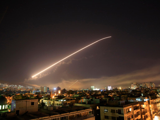 EEUU bombardea Siria en coalición con Francia y Reino Unido