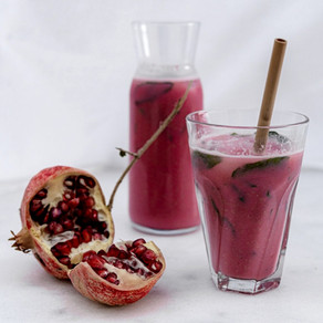 Homemade Sugar-Free Pomegranate Lemonade With Peppermint