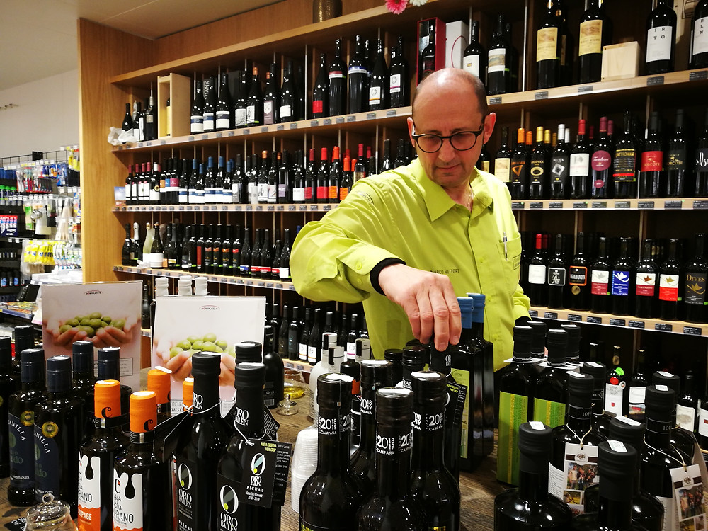 Aus Sizilien, der Toskana, Alentejo, Andalusien, Apulien und Kastilien-La Mancha. Ein Olivenölangebot das seinesgleichen sucht. (Marco Vittori, Dorfplatz 9, evoo.expert)