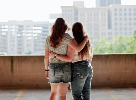 Comment l'amitié peut-elle survivre entre une personne infertile et une hyperfertile ?