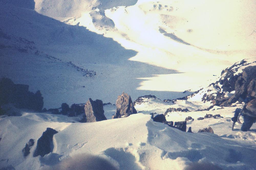 Спуск с перевала Красноярова| skitour.club| Блог Сергея Чеботова