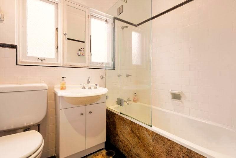 A pre-renovation bathroom.