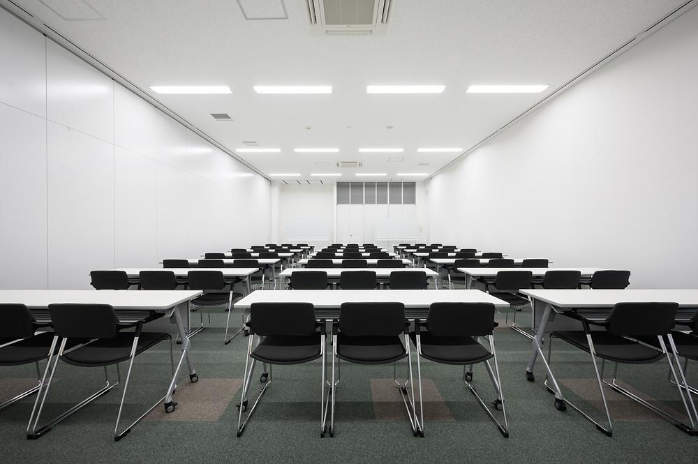 会議室は大きさに合わせて4タイプ 教室形式の会議室もあります