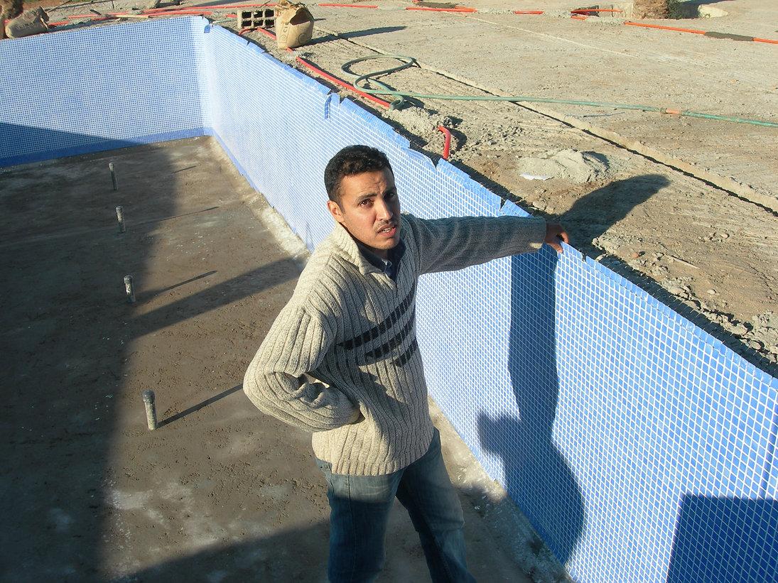 Ma piscine bleu ciel ou la plaie des retards marocains
