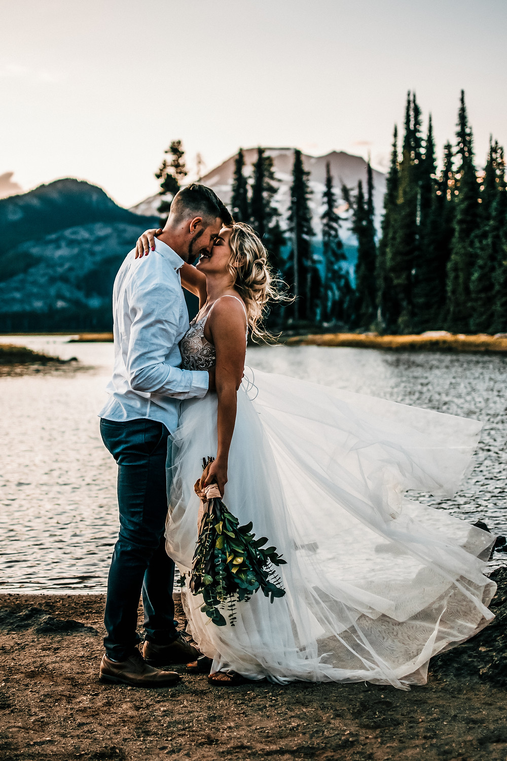 Sparks Lake in Sisters Oregon, Best place to elope