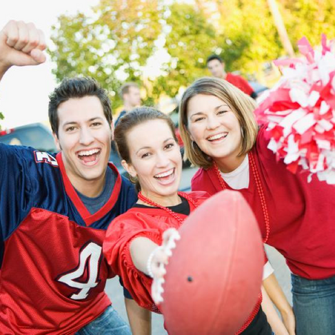 3 Tips for Sports Fans Traveling During Football Season