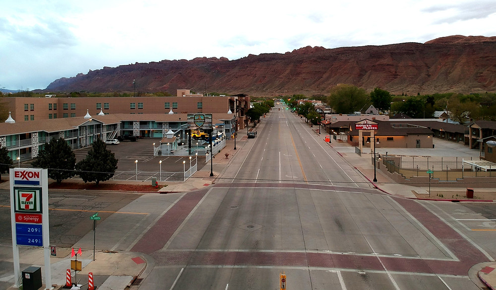 The streets of Moab at 7:00 pm in peak tourism season.
