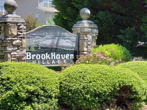 211 Pembrook Road, Swannanoa, NC 28778 - in Brookhaven Village; only $152K!!!
