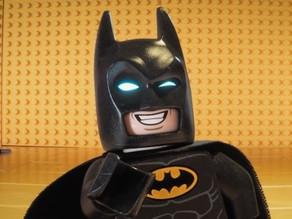 ¡Peques, LEGO Batman les tiene un mensaje importante!
