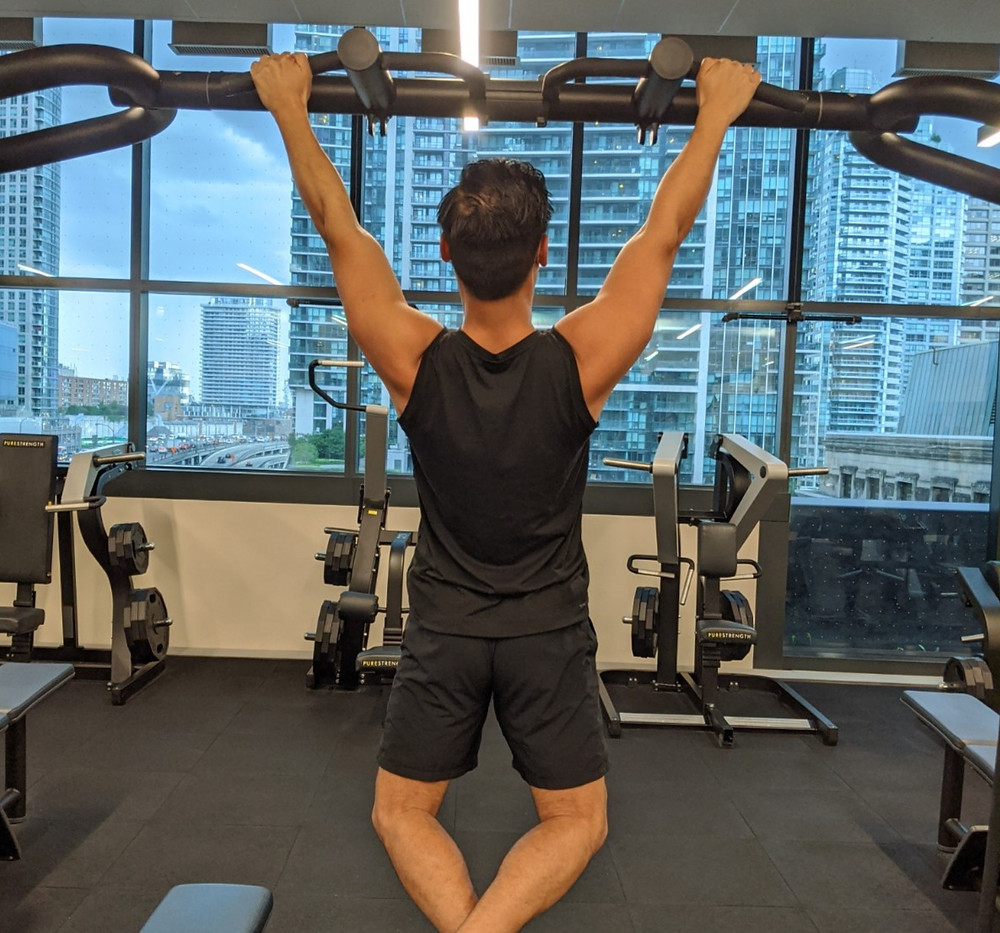 Scapular setting during pull ups