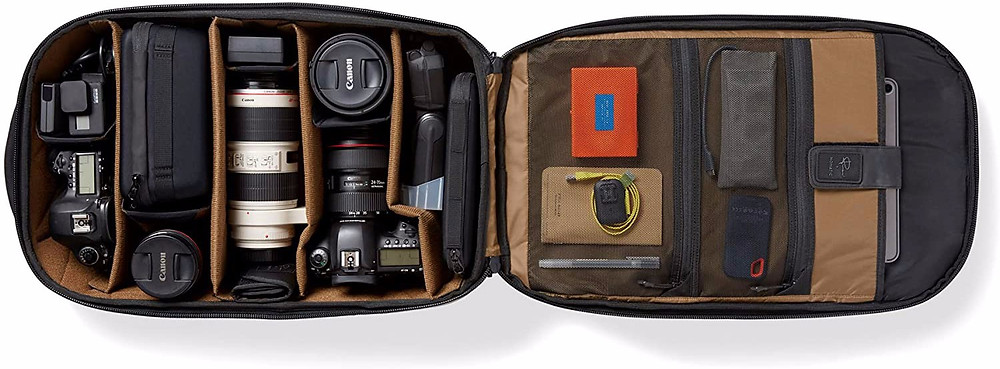 Nomatic Peter McKinnon bag inside