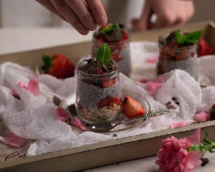 Pudin de chia con fresas y muesli CocinaFacilita