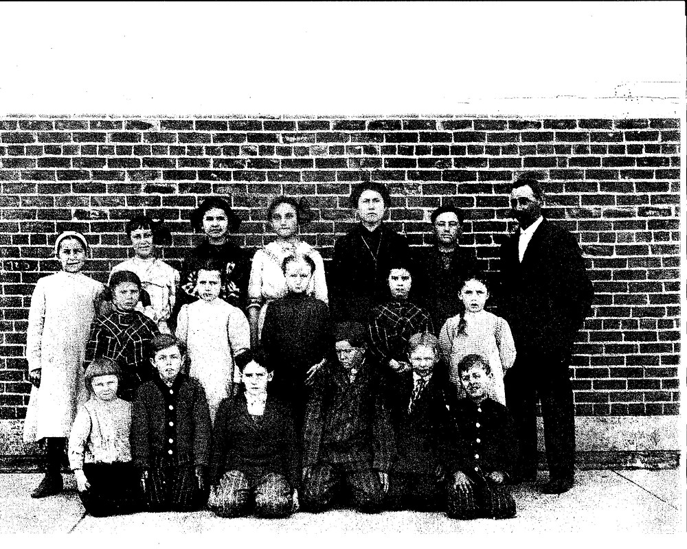 Crouch School early 1900's Corner of St Anthony & Gause Rd Row 1 Johnny Grier,  Jessie Anderson, _______, _________, George Grier Row 2 ________, Mable Gaus Davis, Mrytle Crouch Yaney ,_______, Mildred Gaus Peters Row # Beulah Gaus Hamberg, __________, Gladys Brown Nichols, Cora Gaus Rhodes, Bessie Brown Lacy, Orville Gaus  teacher Frank Fetters