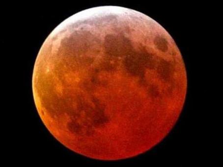 Hoy es el eclipse lunar más largo del siglo